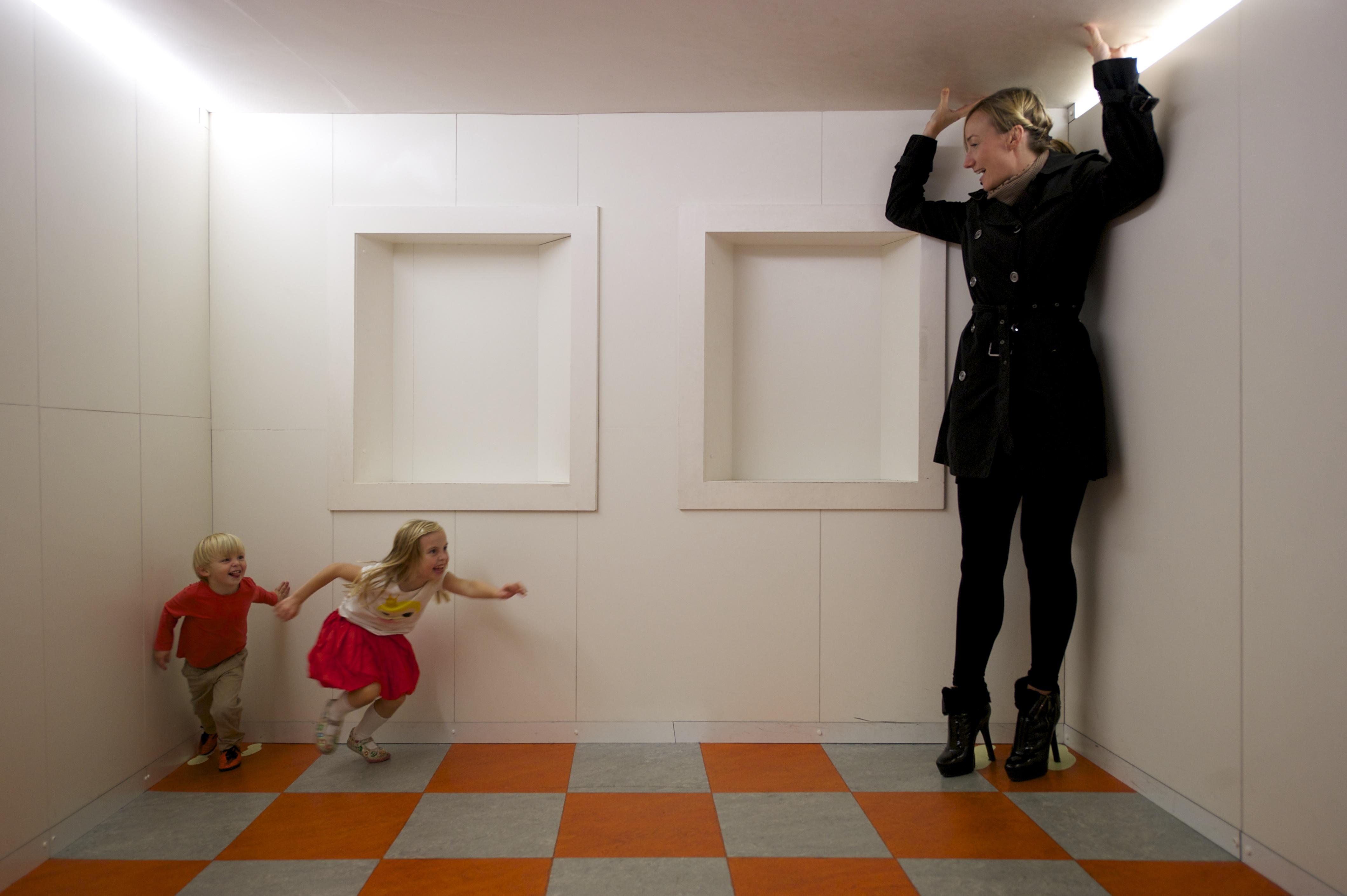 Ames Room, Camera Obscura & World of Illusions, Edinburgh